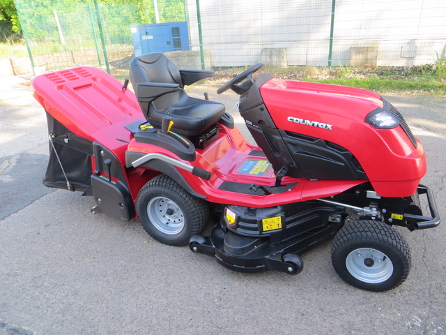 New and Used Countax COUNTAX B250 4-TRAC Groundcare Machinery, compact tractors and ride mowers for sale across England, Scotland & Wales.