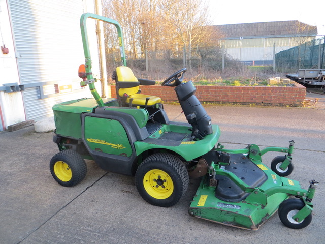 Used  JOHN DEERE F1445 RIDE ON MOWER for sale across England, Scotland & Wales.