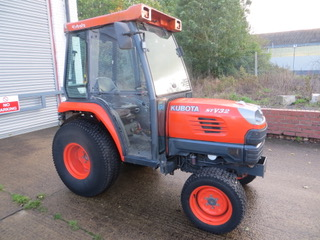 Used KUBOTA STV 32 HST COMPACT TRACTOR 32HP Groundcare Machinery, compact tractors and ride mowers near me.