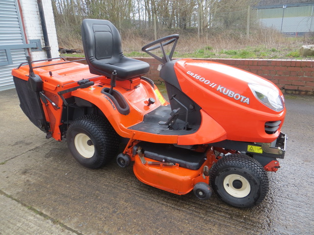 Used GR1600 MK2 Ride on mower 14hp Twin Cylinder Diesel 42 Deck 600 hrs Groundcare Machinery, compact tractors and ride mowers near me.
