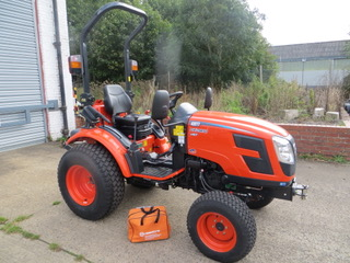New and Used NEW KIOTI CK 2810 COMPACT TRACTOR, 4WD Hydrostatic Transmission Full warranty for sale across England, Scotland & Wales.
