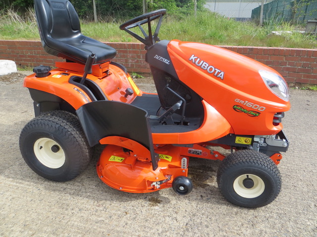 New GR1600 ID, DIESEL, RIDE ON MOWER, 42 MULCH DECK WARRANTY Groundcare Machinery, compact tractors and ride mowers for sale across England, Scotland & Wales.